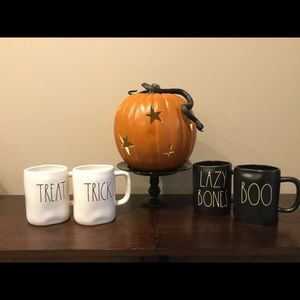 Set of 4 New Rae Dunn Halloween Mugs 🎃